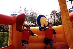 Bouncy Boxing Close